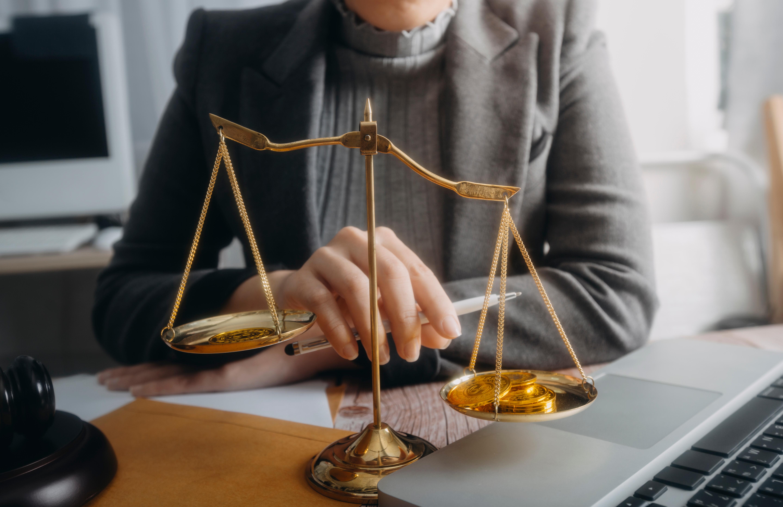ネットトラブルに関する弁護士費用の相場一覧